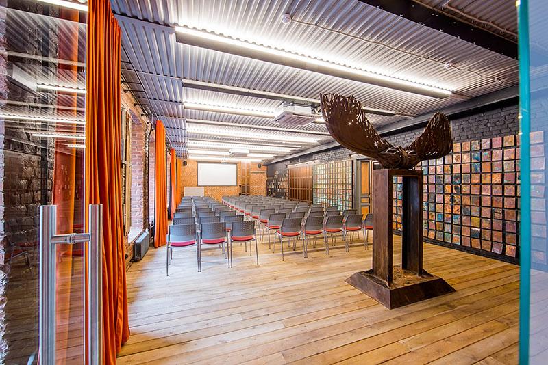 Новый зал коворкинга Ясная Поляна – тут и проходил WordCamp